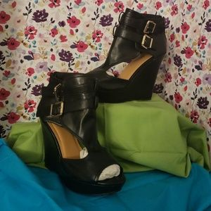 DOTS BLACK STAPPY WEDGE